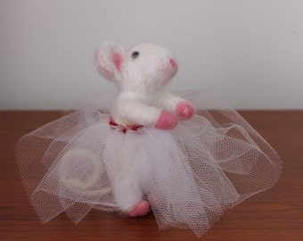 Needle felted mouse/ wool felt animal/ felted mice/ cute animal/ wool felt mouse ballerina/ felt mouse/ felted animal/  mouse  gift