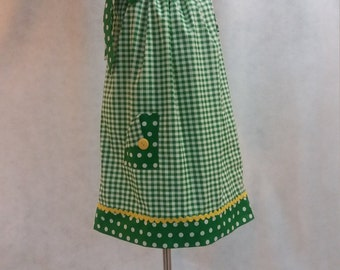 Meloney's Design handmade Size 6 pillowcase dress in green