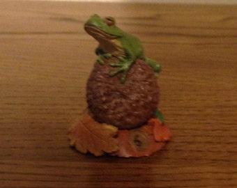 "Miniature Tree Frog Figurine- ""Tad"" by Tim Wolfe"