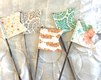 Scrappy Flags - Set of 5 - Coordinating Moda Refresh Fabric