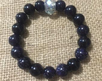 Beaded bracelet. Dark purple. Large beads