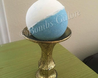 Bath Bomb in Cool Water Type Fragrance