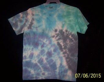 Tie dye medium shirt (A2)