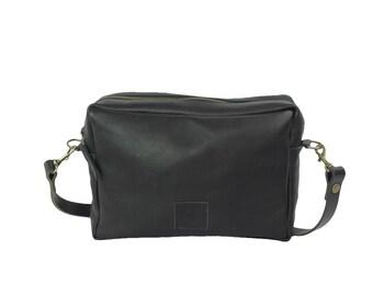 Messenger leather bag black