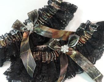 Mossy oak wedding garter set,  Mossy oak garters,  Real Tree Garter Set