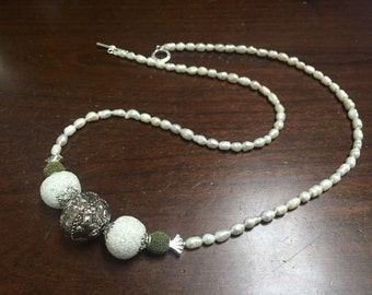Freshwater Pearl with Bauble