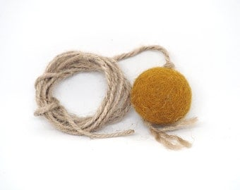 "Felted cat toy ""small ball"""