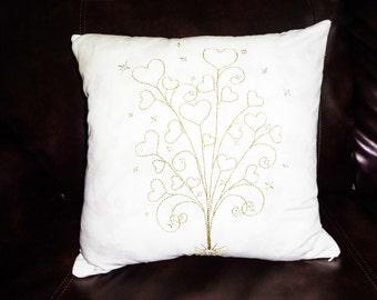 heart gold thread pillow