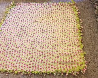 Pink Flowered Tie Blanket