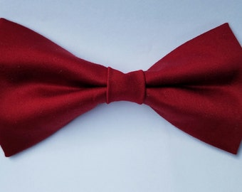 Cranberry Mens Pretied Bow Tie