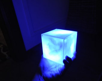 Tesseract light box