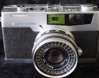 Petri 7s f2.8 35mm camera with case and instuction leaflets - 1960's