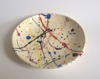 "8"" splatter plate in primary colors"