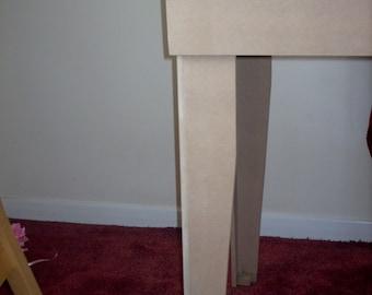 Model Railway Baseboard Legs (pair) 900mm high with adjustable feet