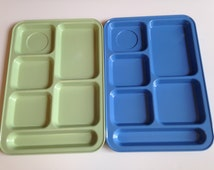 Two Cafeteria-Style Lunch Trays Green Blue Plastic