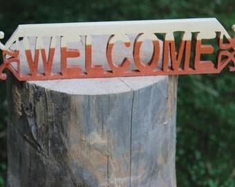 Cedar Welcome Sign Dark Bottom