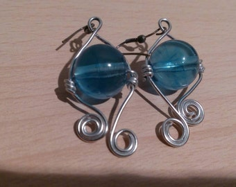 Waterdrop wire earrings