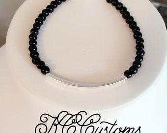 Keep it simple in black