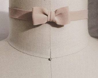 Choker 100% Silk With Bow