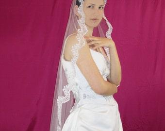 Mantilla Scalloped Lace Wedding Veil