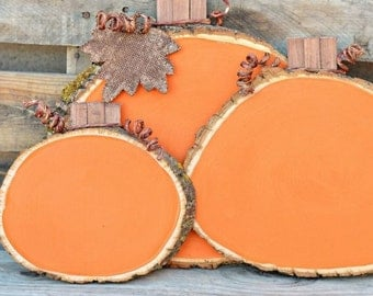 Wood pumpkin decor