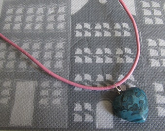 girls necklace with pendant heart of gemstone