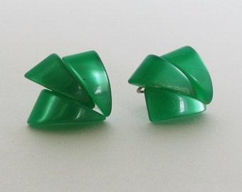 Vintage Green Opalescence 60's Retro Earrings with Screw Backs