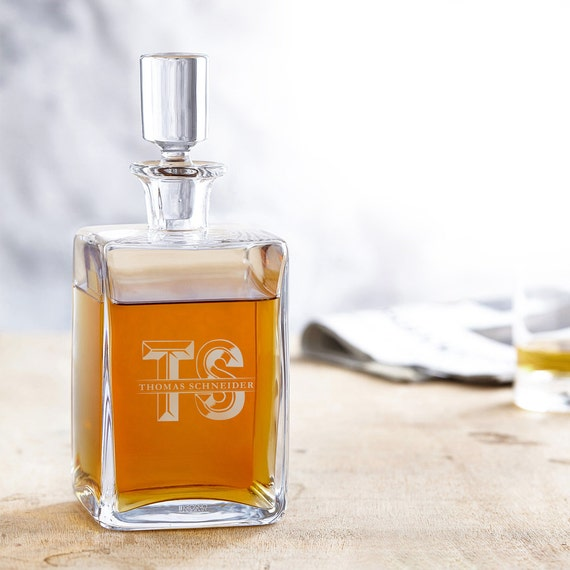 Engraved Whiskey Decanter – Whisky Carafe - Personalised with Name and Initials