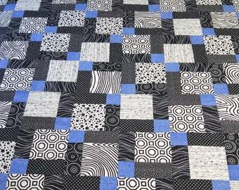 Modern Blue Black and White Quilt (015)