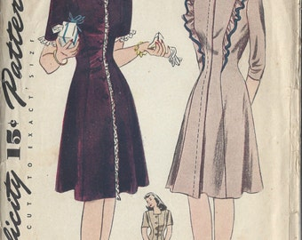 "1940s Vintage Sewing Pattern B32"" DRESS (66) Simplicity 4787"