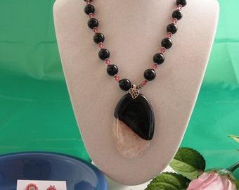 Onyx, Swarovski and Agate Nacklace