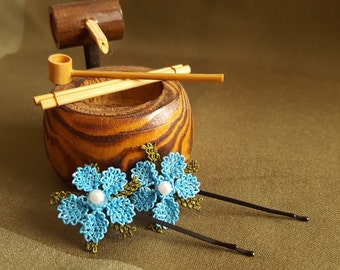 """SmS: HANDMADE - Stylish and Cute Needle Lace """"Turkish Oya"""" - 2 Hair Pins - Round Blue Flowers"""