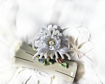 Shell-shaped white Plasitc Hair Claws, hair clip,hair accessories,flower barrette,flower hair clip,white barrette with white pearl