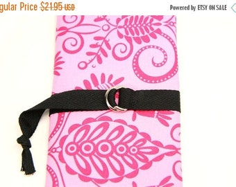 Sale 25% OFF SHORT Knitting Needle Case - Hot Pink Damask - 24 black pockets for circular, double pointed, interchangeable or travel
