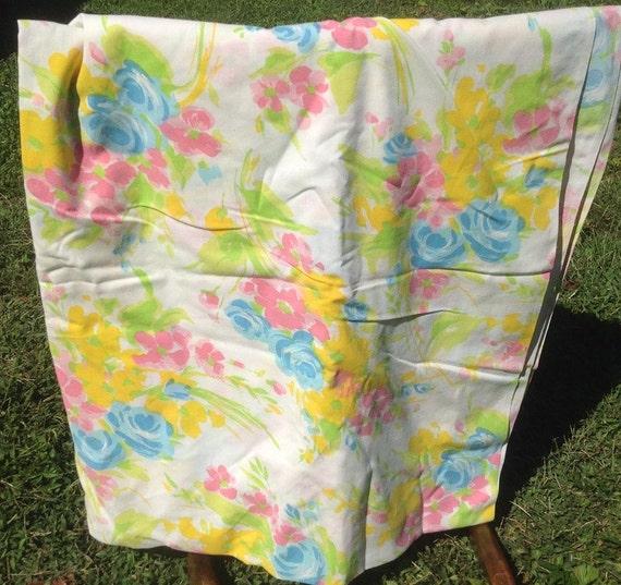 Pastel Flowers Bedsheet - Bibb - 1980s - Vintage Linens