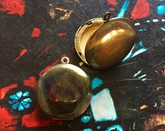 2pcs VINTAGE BRASS LOCKETS 1960s Larger Hinged