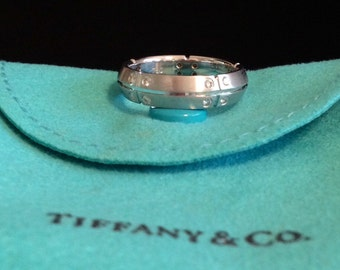 TIFFANY 18K White Gold Diamond Ring Size 6 1/2