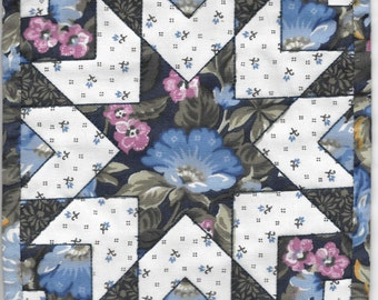 """Free US Shipping! Miniature Blue Starburst Dollhouse Quilt or Rug 7.5"""" Square Great for OOAK Sculpt Doll #6240"""