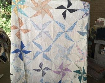 1940's Handmade Pinwheel Quilt / Fabric / Patchwork / Cutter
