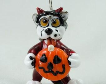 Halloween Malamute/Husky Dog In Costume Holding Pumpkin Ornament Sculptural Lampwork Glass Bead by Annette Nilan DITS