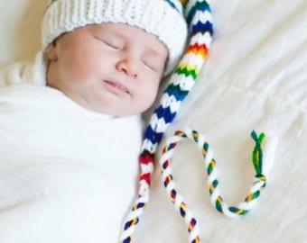 Newborn Rainbow Stocking Hat BaBY PHoTO PRoP Long Tail Stocking Cap WHiTE RAiNBoW Stripe Beanie CoMiNG HoMe Boy Girl PiXiE Munchkin Toque