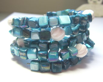 Blue Shell and White Coral Memory Bracelet.  Turquoise Blue Shell Memory Bracelet. Blue and White Shell Bracelet.