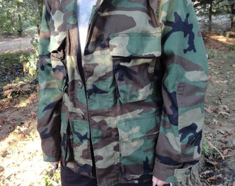 Military Field Jacket or Coat Combat Woodland Camoflage Pattern Size Small