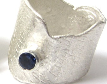 Sculptural Silver Ring with a blue Iolite  gesmtone - large statement ring