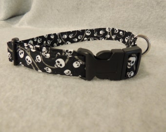 Medium Skulls Dog Collar or 4 Foot Leash
