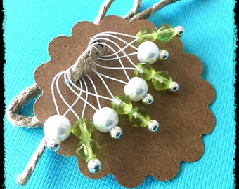 Snag Free Stitch Markers Medium Set of 8 - Green and White Glass - M47 -- For up to size US 11 (8mm) Knitting Needles