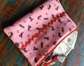 medium zipper pouch gato the kitten