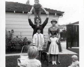 vintage photo 1962 All One Family Children Standing on Shoulders SNapshot