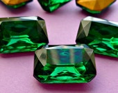 Christmas in July Sale - 18x13mm Emerald Octagon Vintage Glass Rhinestone Jewels (12-11F-2)