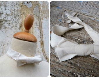 Antique 1900s/1920s old French Edwardian tie bow NOEUD PAPILLON  white cotton